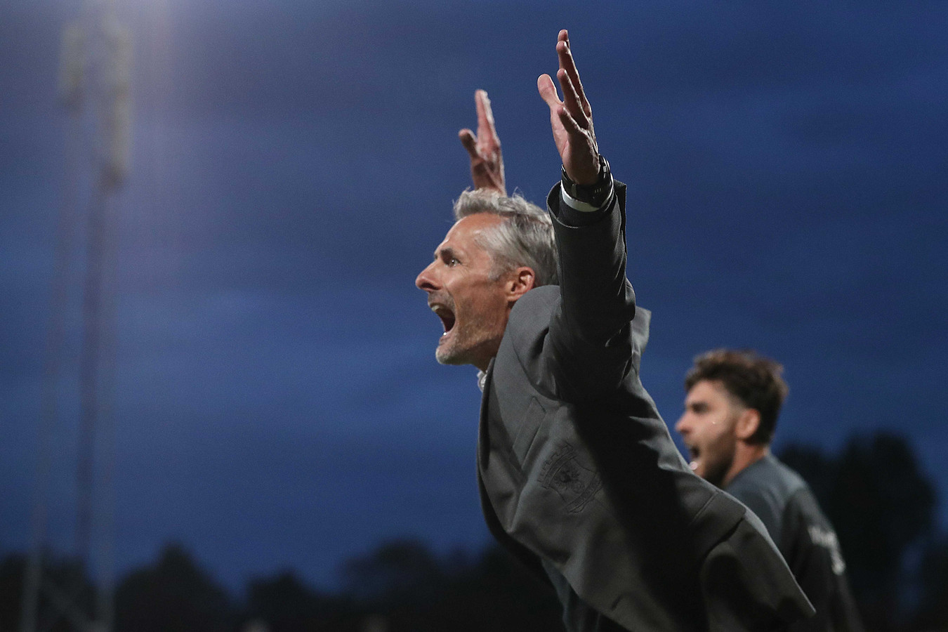Go Ahead Eagles coach Kees van Wonderen viert de 0-1 van Bas Kuipers of Go Ahead Eagles tijdens de Nederlandse Keuken kampioen divisie wedstrijd tussen Excelsior en Go Ahead Eagles in het Van Donge & De Roo Stadion op 12 mei 2021 in Rotterdam.