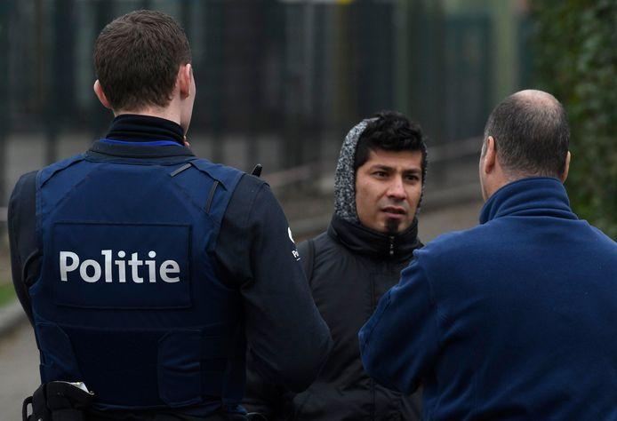 Niet alleen etnische minderheden, maar ook politiemensen zelf geven aan dat etnisch profileren een realiteit is, waar nog te weinig aandacht voor is. Dat blijkt uit een onderzoek van Amnesty International onder de politiezones in ons land. Archieffoto.