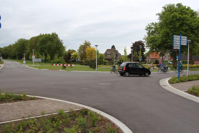 De situatie op het gereconstrueerde kruispunt Hoflaan-Batendijk-Steenstraat is in de ogen van velen gevaarlijk.