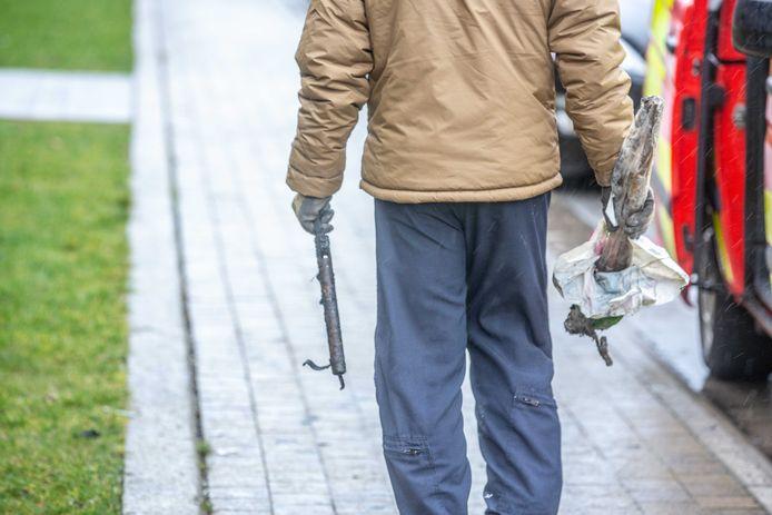 Militairen van DOVO namen verschillende ook zaterdag nog verschillende zaken in beslag