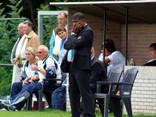 Paul Telussa kondigt in Voetbal International zijn afscheid aan als trainer
