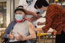 Vacciné le 28 décembre dernier, Jos Hermans a reçu sa seconde injection lundi.