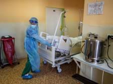 La Slovaquie, qui affiche le taux de mortalité au coronavirus le plus élevé au monde, dispatche ses malades en Pologne