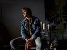 Levensmotto kunstenaar Thijs Segers uit Hengelo: 'Ik verf tot ik sterf'