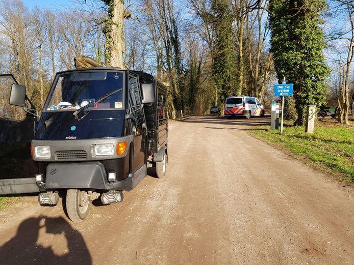 De situatie direct na de aanrijding op de Badweg in Winterswijk.