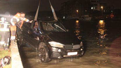 Automobilist schiet ter hulp voor auto in kanaal: vrijspraak voor snelheidsovertreding