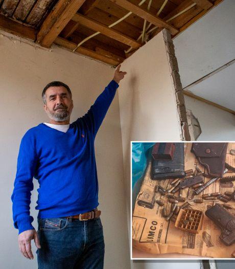 Ramazan vindt vuurwapens in plafond tijdens verbouwing: 'Ik dacht eerst dat het drugs waren'