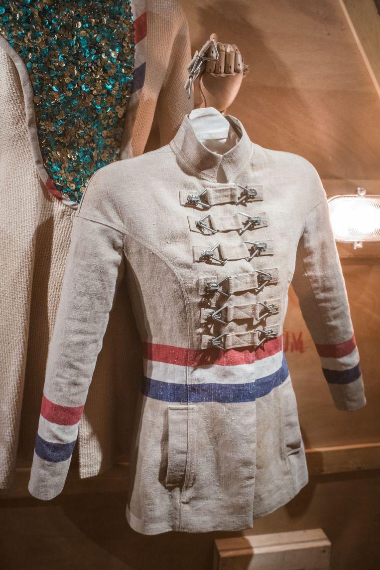 Postzak-jasje uit de collectie XXXXX (januari 2005).  Beeld Simon Lenskens