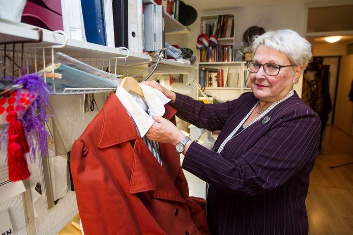 Hannie Kruse heeft al honderden kostuums gemaakt voor het Dickens Festijn.