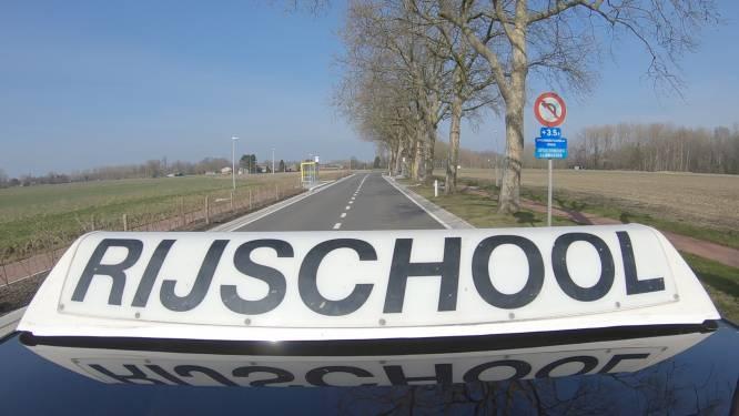 Rij-examen eindigt met botsing in Roeselare