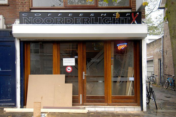 Etten-Leur heeft één coffeeshop. Tot deze week had de gemeente binnen de regio een uitzonderingspositie, maar inmiddels is het ook hier, net als in 236 andere gemeenten, verboden om openlijk soft- en harddrugs te gebruiken op de openbare weg en in openbare gebouwen.