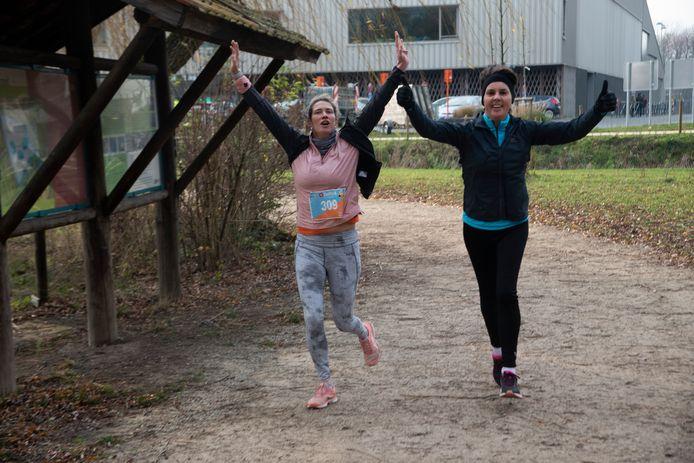 Lopen en wandelen voor het goede doel tijdens Sportyves aan het Damvalleimeer in Destelbergen.