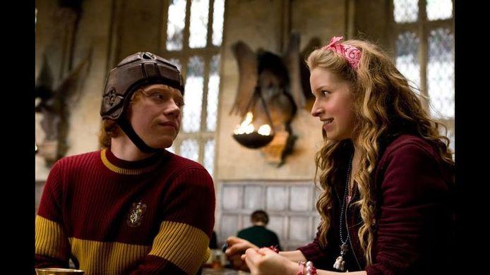 """Rupert Grint et Jessie Cave dans """"Harry Potter""""."""