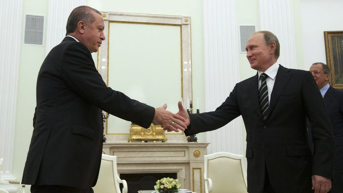 Archiefbeeld van een eerdere ontmoeting tussen Erdogan en Poetin