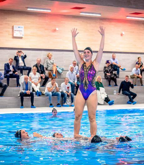 Veel animo voor extra zwemlessen Aquapelle: 'Veel mensen gaan niet op vakantie'