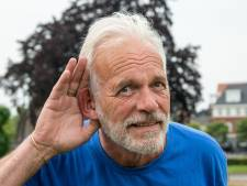 Ondernemer protesteert met vaatwasser tegen nieuwe geluidsnormen voor muziekfeesten in Ermelo