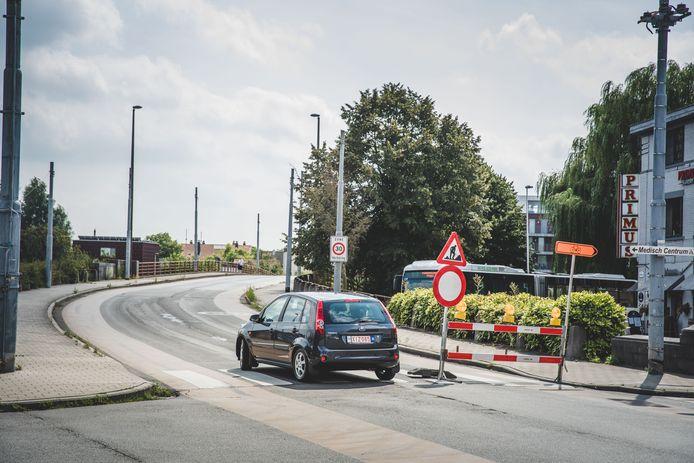 Gentbruggebrug verbindt Oud Gentbrugge met de Dampoortwijk.