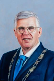 Opgestapte burgemeester André Baars  van Ermelo krijgt plaats in eregalerij in gemeentehuis