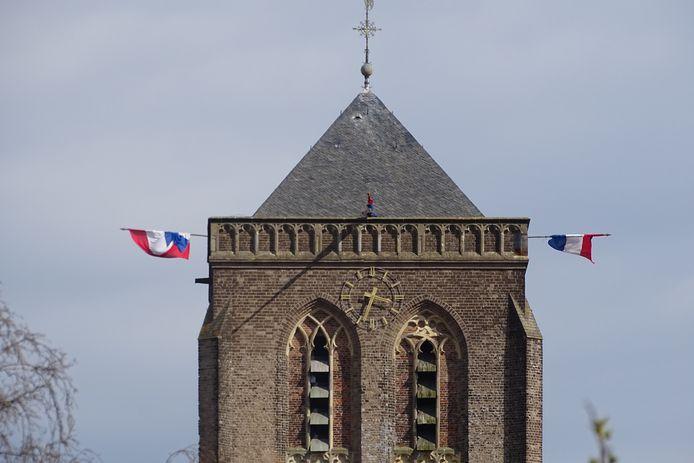 Vlaggen aan de Mariatoren in Didam