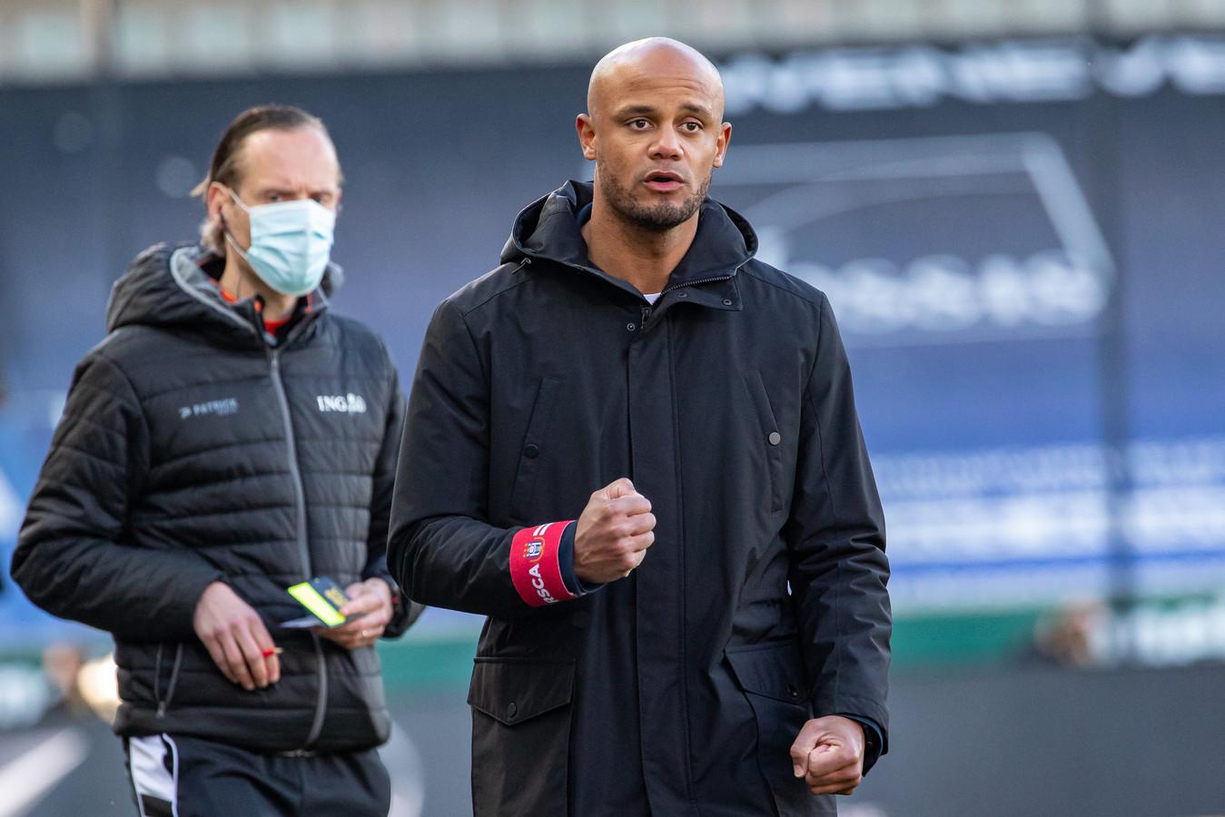 Anderlecht-trainer Vincent Kompany viert de 1-1.