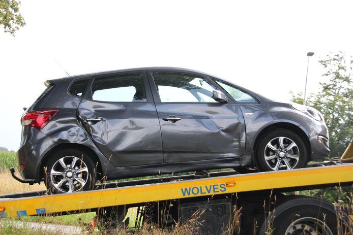 Een beschadigde auto.