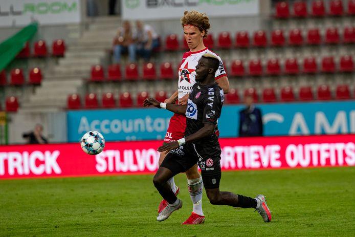 Na een foute terugspeelbal van Ciranni kon Gueye voor Kortrijk scoren in de rug van Pletinckx, maar die bracht Zulte Waregem met de aansluitingstreffer weer in de wedstrijd.