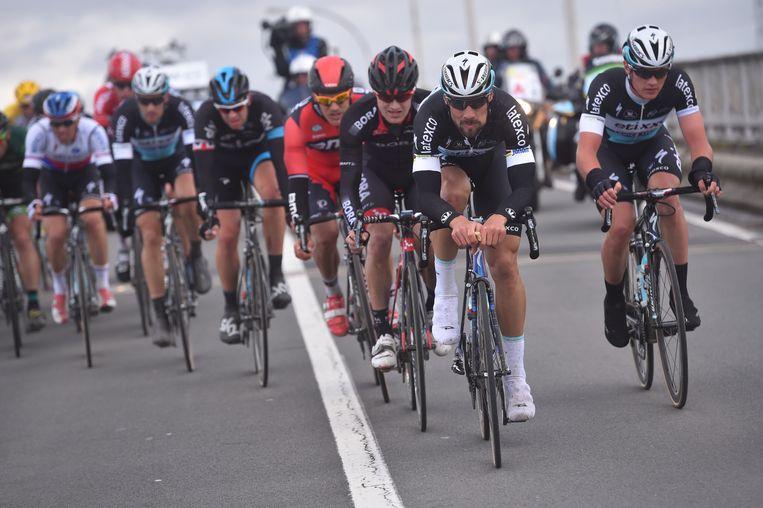 Ook in een uitgebreide kopgroep deed Boonen zijn deel van het kopwerk. Beeld Tim De Waele