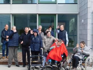 """Apojo geeft 24 bewoners nieuwe huisvesting op maat: """"De Parel voelt als een échte thuis"""""""