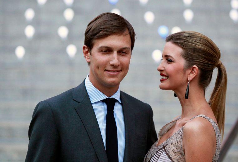 Ivanka Trump met haar man Jared Kushner, op de Vanity Fair party die het Tribeca Film Festival in New York in gang zou trappen, april 2012.  Beeld REUTERS