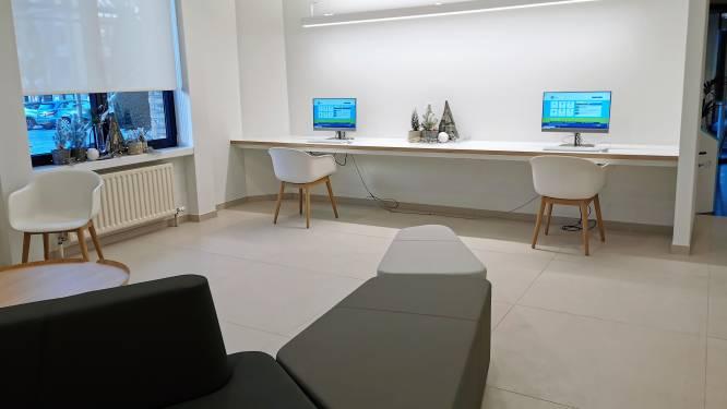 Openbare computerruimten en extra vorming voor personeel: zo bindt stad Halle de strijd aan tegen digitale uitsluiting