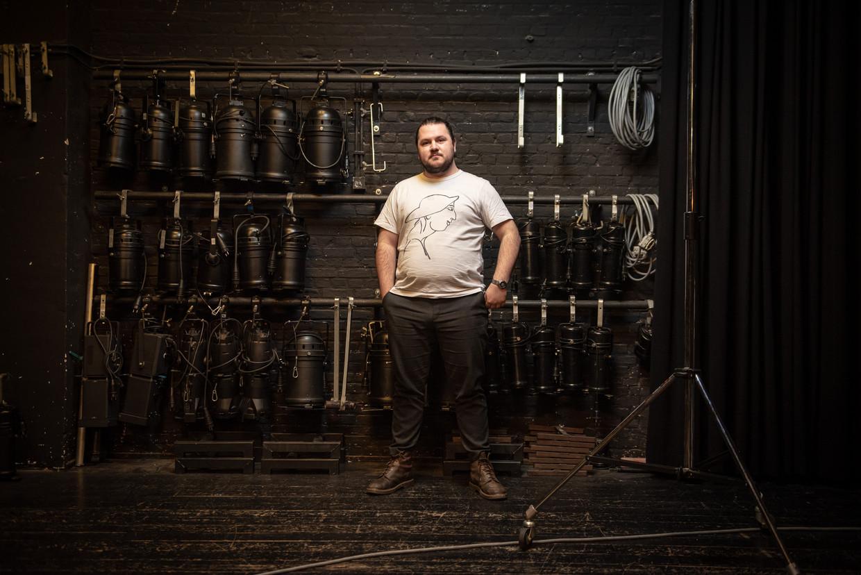 Samuel Allaman is student en runt een eigen bedrijf, Jammings. 'Ik wil mijn eigen baas zijn. Ik bepaal zelf wel wanneer ik werk.' Beeld Wouter Maeckelberghe