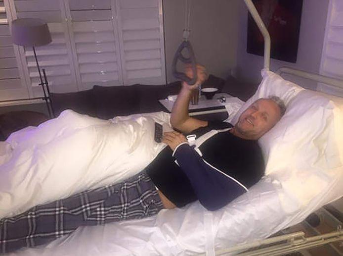 Gordon vlak na het ongeval in zijn huis in Blaricum.