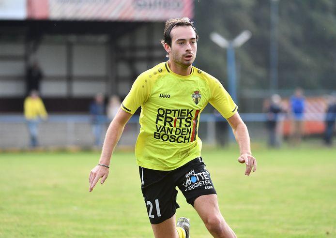 Bas Saillart, hier in Berchemshirt vorig seizoen, tekende in maart voor Thes Sport, maar keert nu al terug naar het oude nest.