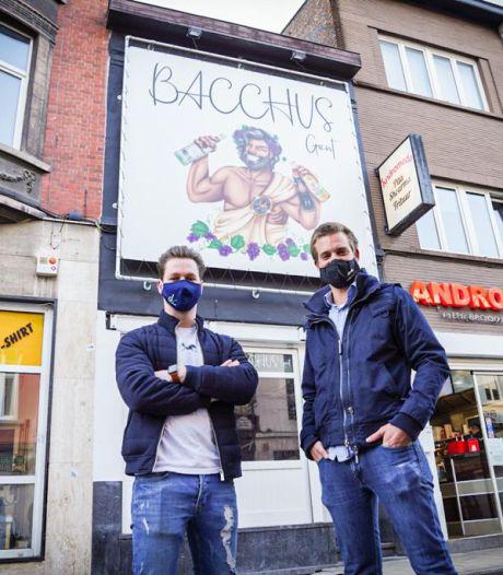 """Gek of geniaal? Andreas en Pieter nemen nu een zaak over in de Overpoortstraat: """"Wanneer we open mogen? Geen idee"""""""