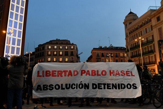 Protestmars tegen de gevangenschap van de Spaanse rapper Pablo Hasél.