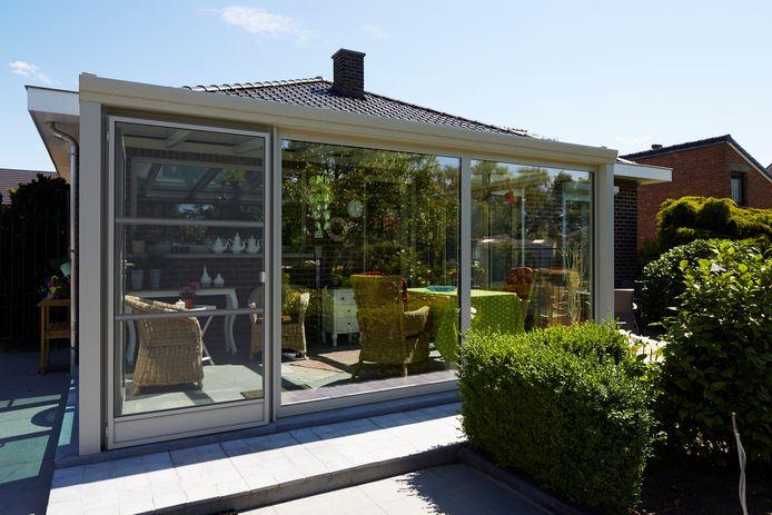 Het materiaal dat je kiest voor je veranda zal grotendeels afhangen van de stijl van je woning maar ook van het ontwerp en de functie van je veranda.