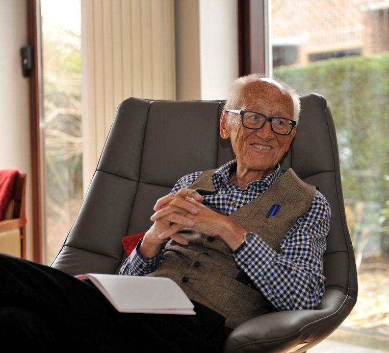 Willy Cortois ( 76 jaar op de foto ) vertelde begin vorig jaar nog over de sluiting van de Renaultfabriek en de bijhorende impact op de stad.