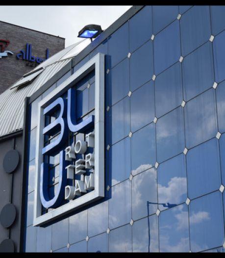 Club Blu wil dader pakken die granaat voor de deur legde en looft 15.000 euro uit