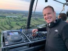 Na de Hilvarenbeekse toren heeft dj Xaverius Funk nu ook de luchtballon ontdekt