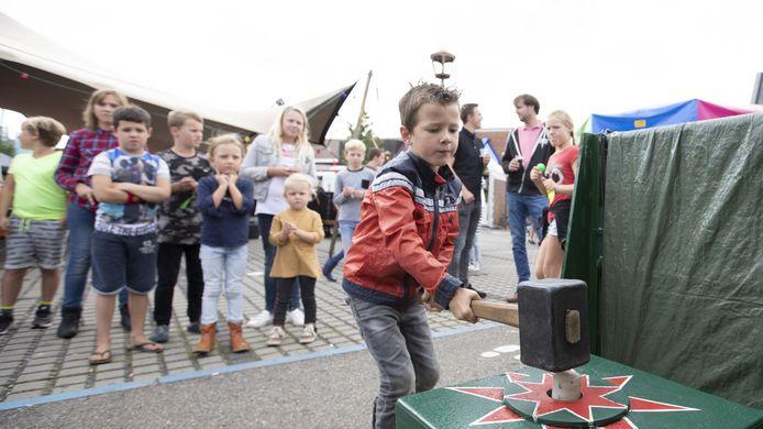 HOLTEN - Dit jaar kunnen kinderen niet slaan op de kop van Jut of andere spellen tijdens de Keunefeesten. De organisatie is blij dat er toch een uitgeklede versie door kan gaan.