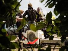 Politie neemt scooters in Matenpark in Apeldoorn op de korrel