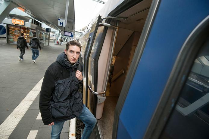 Elias Corten moet nu met de trein.