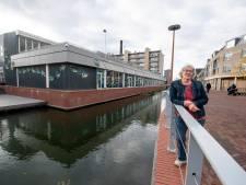 Ouderen niet welkom op plek troosteloos leeg Havenblok aan Almelose Waterboulevard
