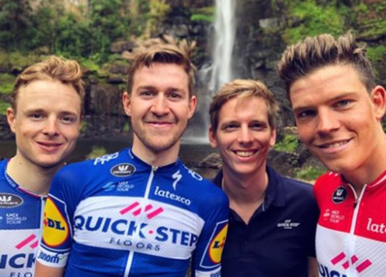 Petr Vakoc (links), Laurens De Plus, trainer Koen Pelgrim en Bob Jungels.