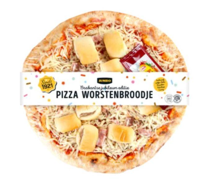 De pizza worstenbroodje, te koop bij de Jumbo.