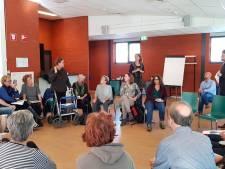 Boze zwemmers Tongelreep in gesprek met wethouder Wedemeijer in Eindhoven