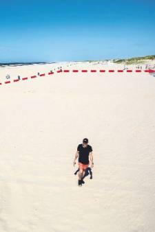Coronaproof in de zon: Hoek van Holland krijgt 'grootste terras van Nederland' op het strand