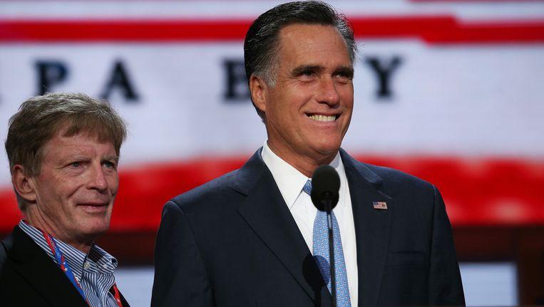 Stuart Stevens en presidentskandidaat Mitt Romney voor de start van de Republikeinse partijconventie in Tampa, Florida. Beeld GETTY
