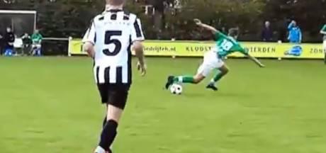 #HéScheids: Vallende tackle en oordeel zelf: schwalbe of strafschop?