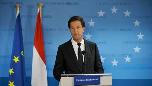 Minister-president Mark Rutte staat de pers te woord aan het einde van de Europese top.